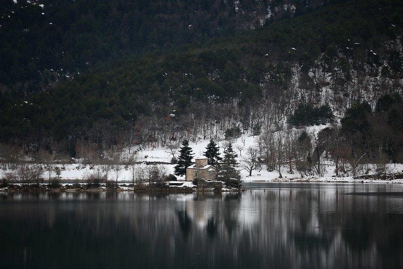 Lake Doxa - lake vacation in Greece