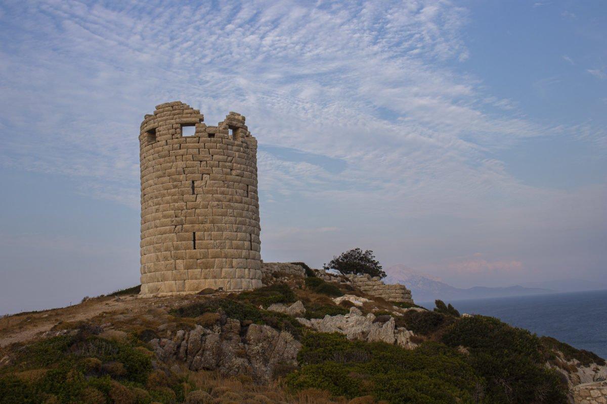 Drakano tower, Icaria - blue zone island - blog